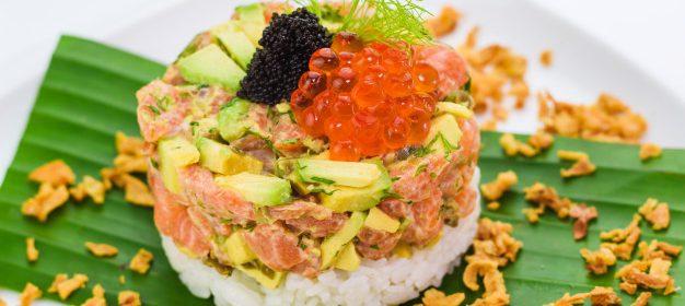 El sucedáneo de caviar enriqueciendo un tártar de atún