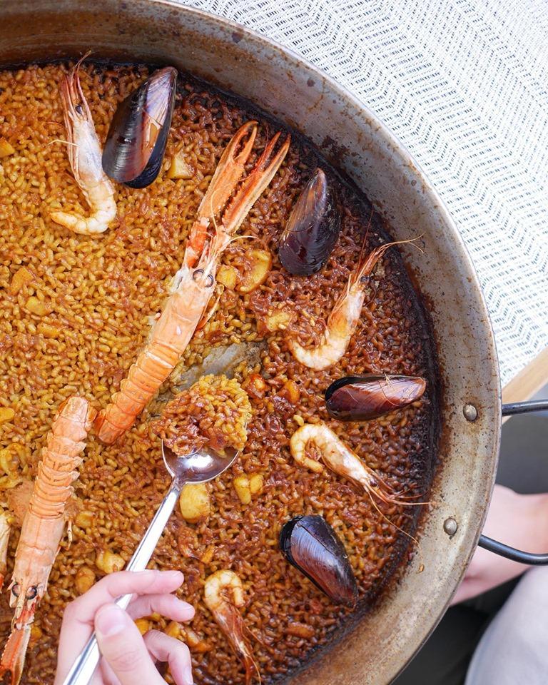 Un arroz marinero típico de la cocina marinera