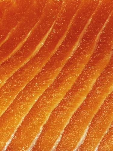 Alimentos como el pescado azul y algunas semillas, son rico en omega 3