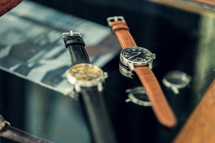 Un reloj es un accesorio clave en el atuendo de una persona