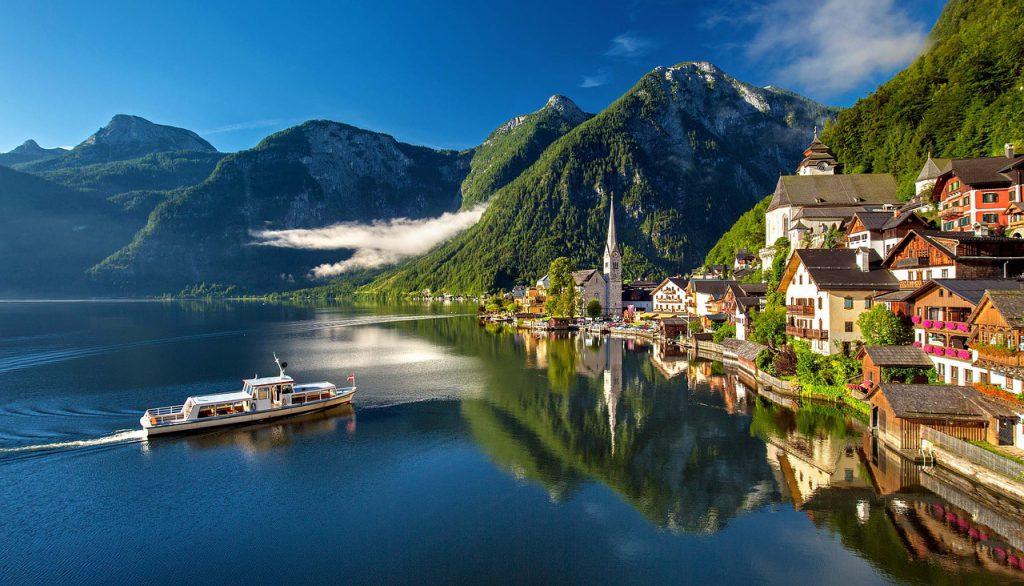 Las rutas por Suiza ofrecen al viajero un espectáculo de belleza variada