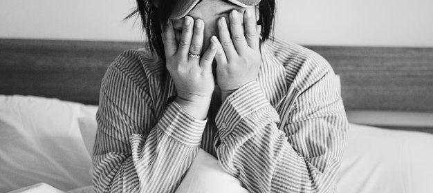 Las pastillas de melatonina o melatonina en gotas, son un suplemento natural para favorecer un sueño tranquilo y reparador sin riesgos