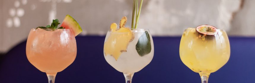 Enjoying a cocktail is associated with special leisure moments, such as those offered by cocktail bars in Mallorca.