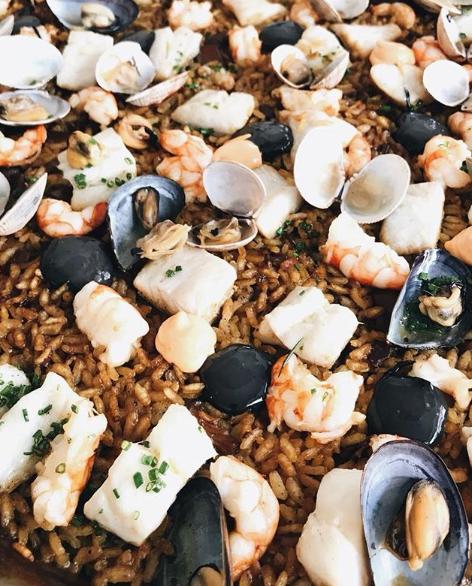 Los fantásticos arroces que prepara el restaurante Salicornia, son la esencia de cocina marinera de Mallorca.