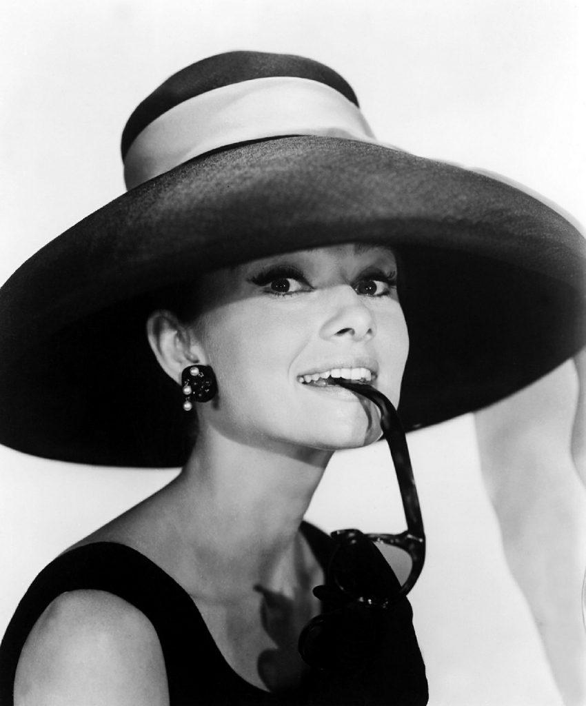 Audrey Hepburn, musa de Givenchy, todo un icono de elegancia chic